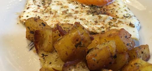 Bratkartoffeln mit Ei