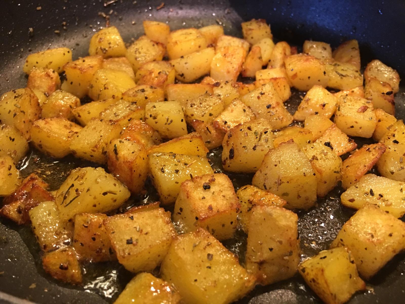 Bratkartoffelwürfel Rezept Chilirezeptde