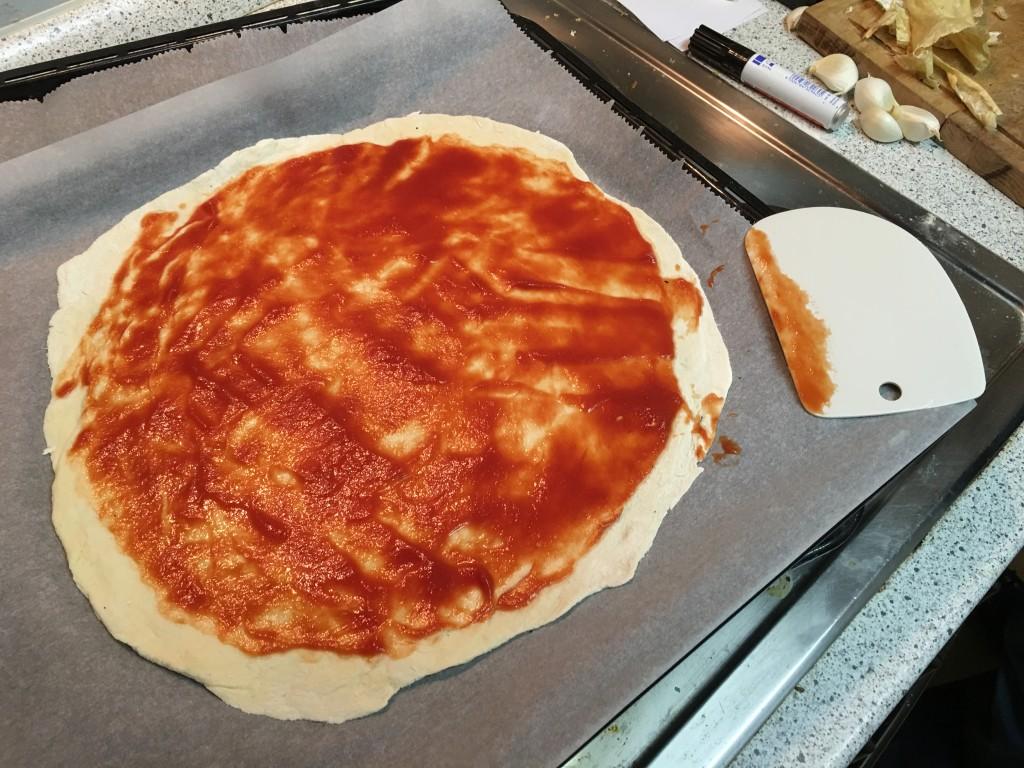 Pizzateig Tomatensauce