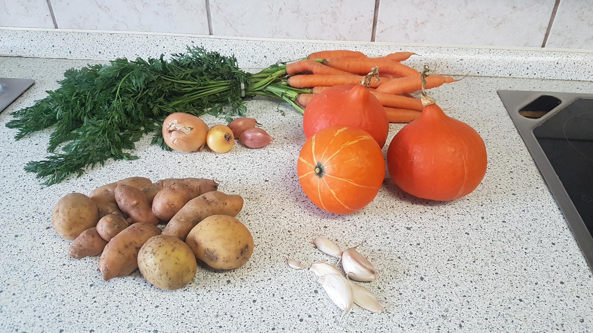 Hokkaido Suppe mit Kartoffeln und Möhren
