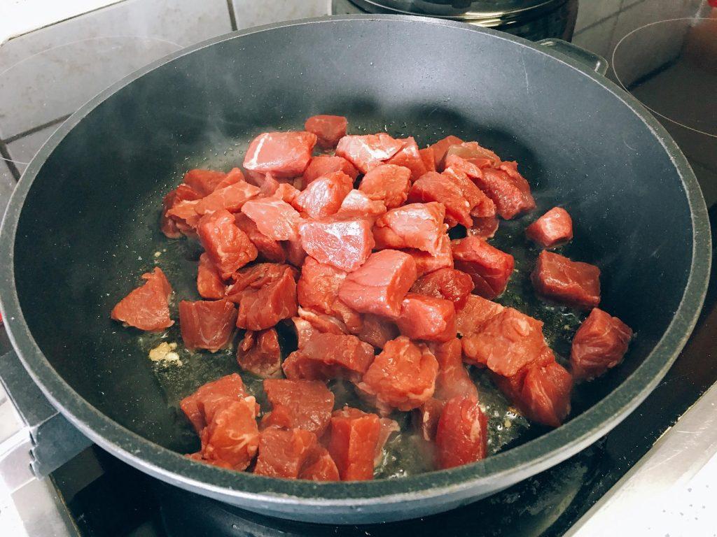 Rindfleisch in der Pfanne