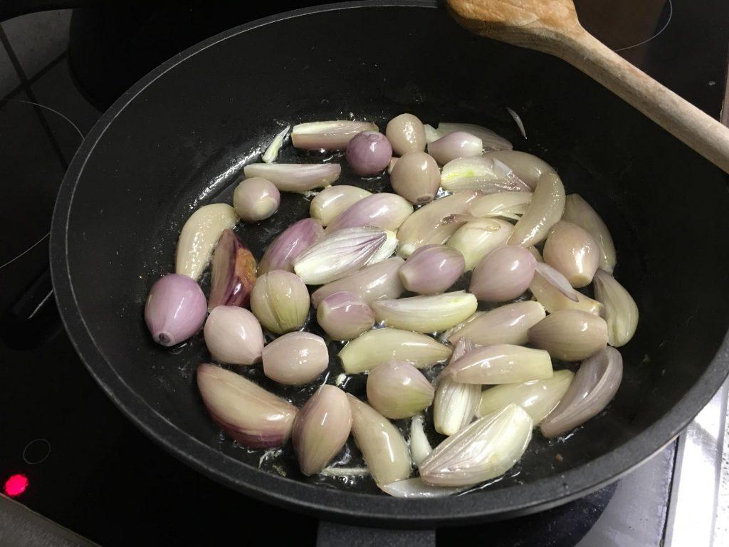 Schalotten karamellisieren