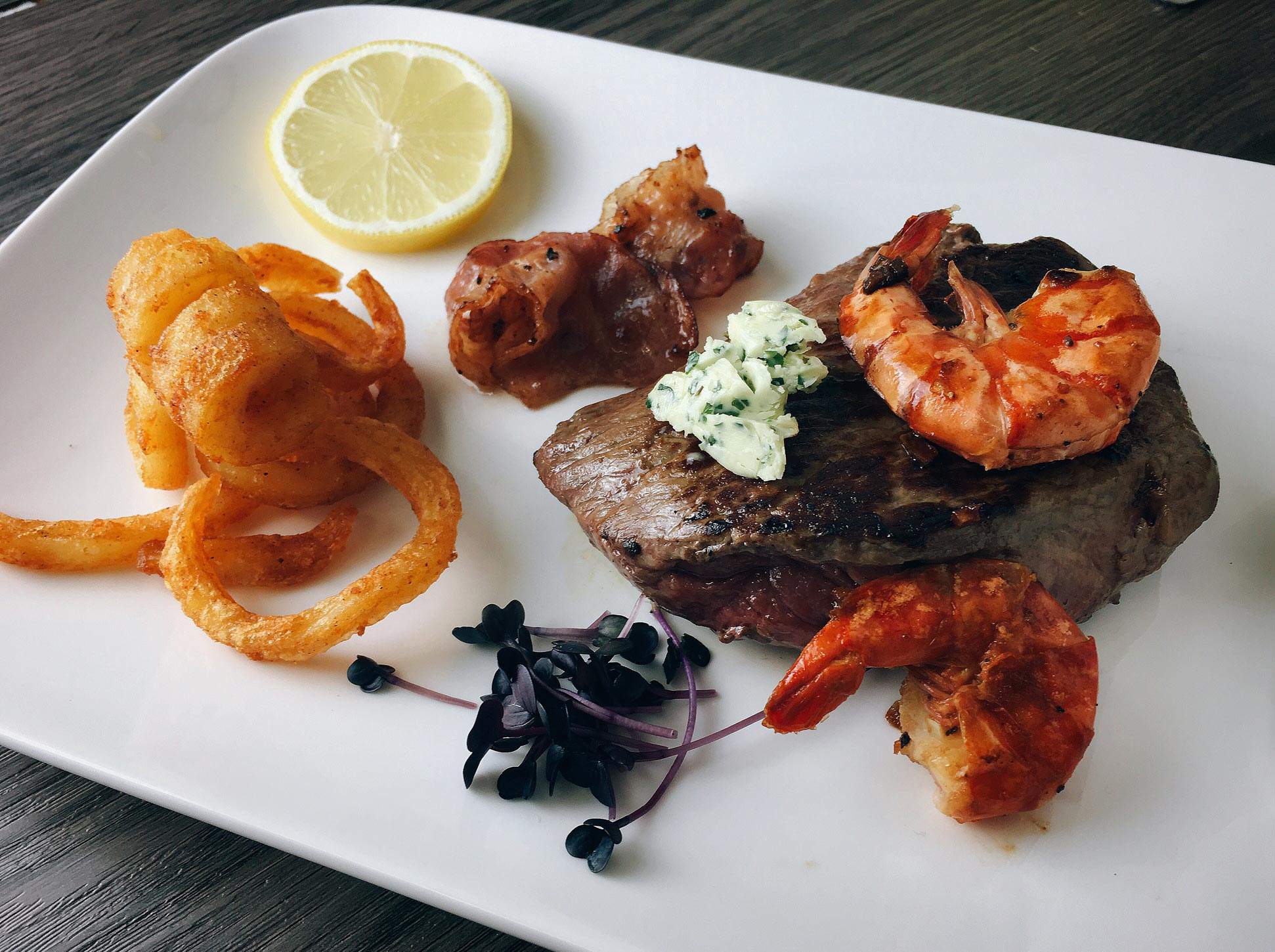 Surf and Turf Rindersteak mit Black Tiger Garnelen