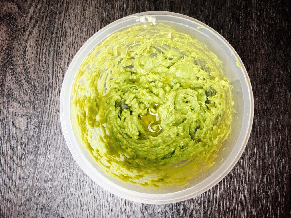 Avocado Pesto mit Olivenöl