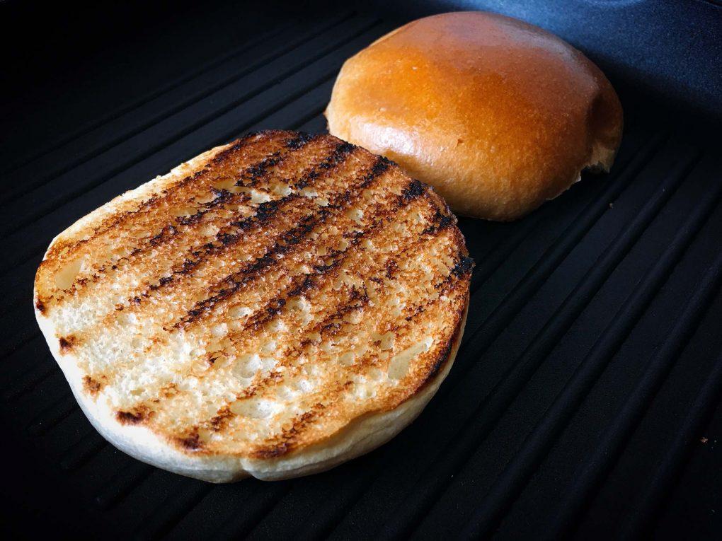 Burger Buns grillen