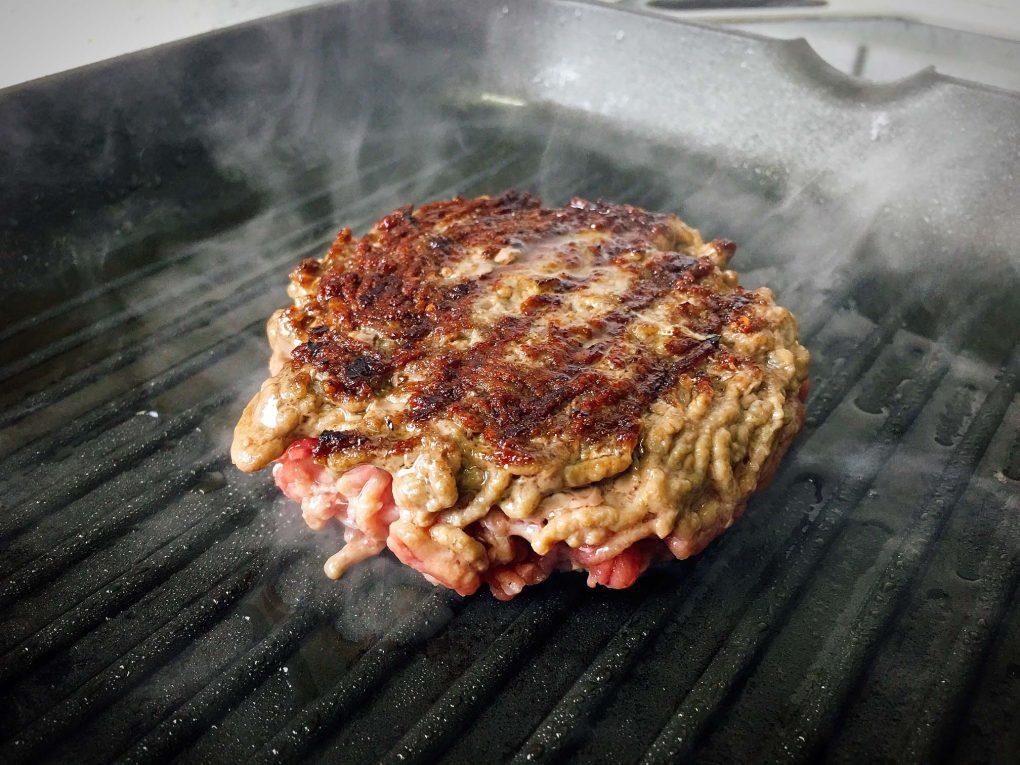 Burger in der Steakpfanne