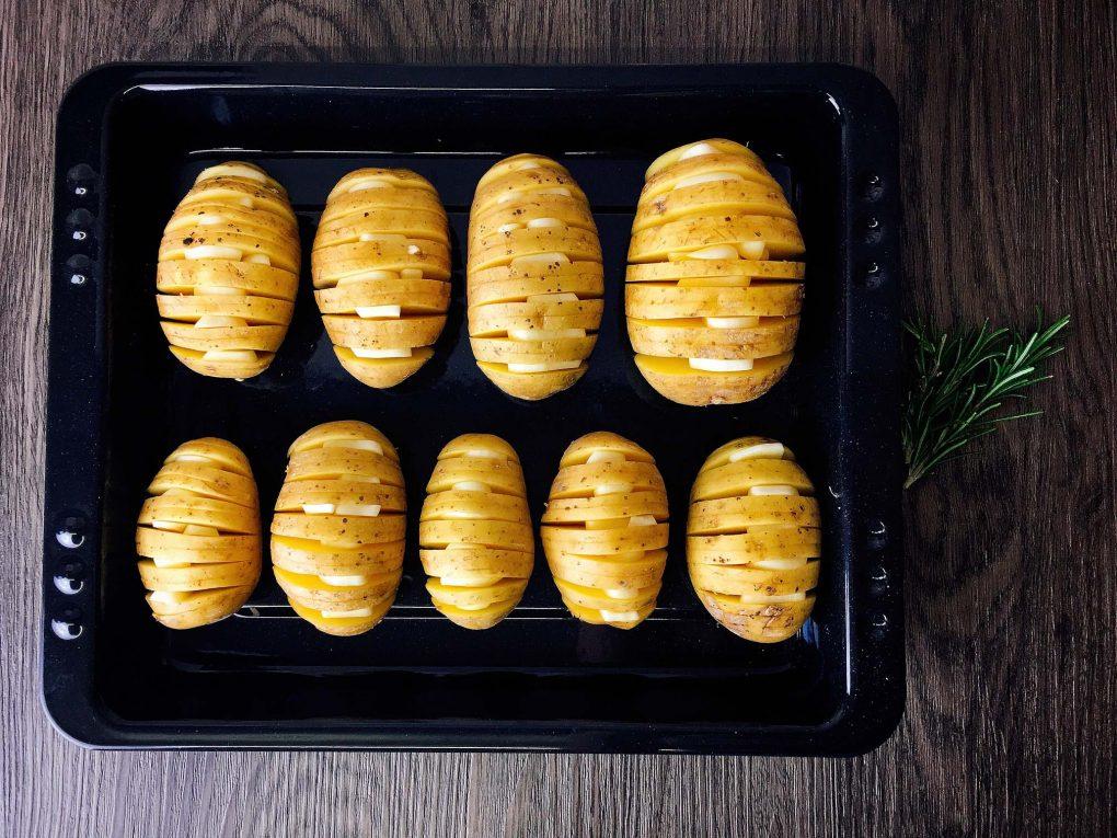 Hasselback Kartoffeln im Backofen