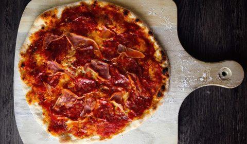 Pizza Prosciutto Salami