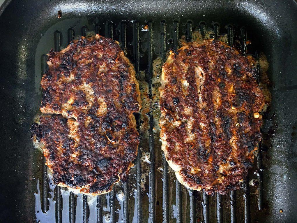Bifteki anbraten