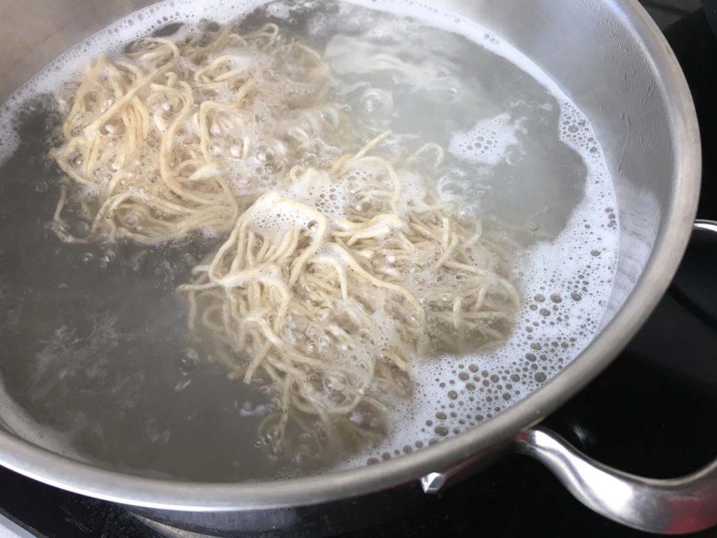 Mie Nudeln kochen
