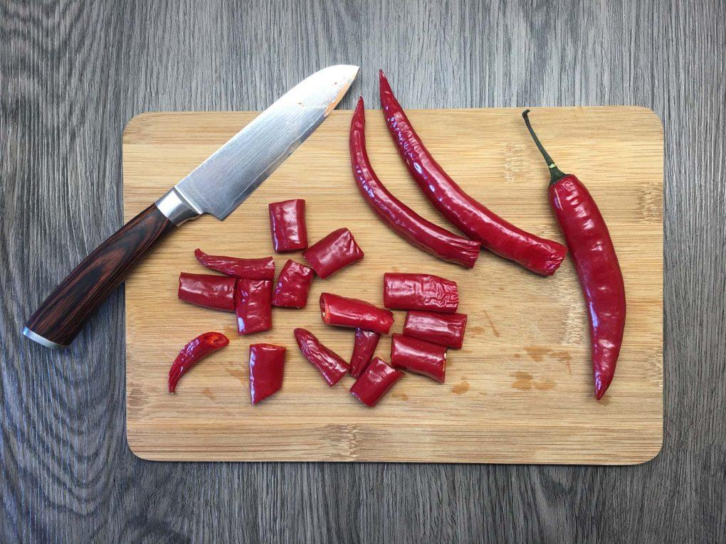 Chilis schneiden