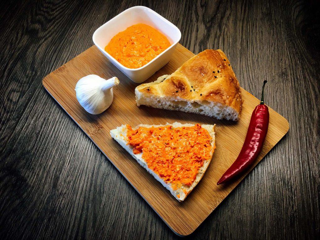 Türkischer Feta Aufstrich mit Chili