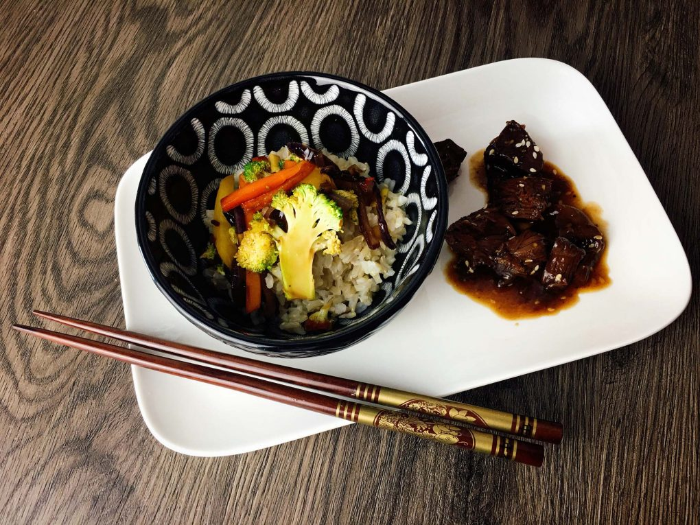 Teriyaki Jackfrucht mit Reis und Gemüse